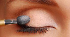 vaseline as eyeshadow primer