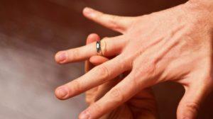 remove ring from finger using vaseline