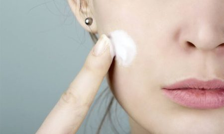 beauty hacks of a toothpaste